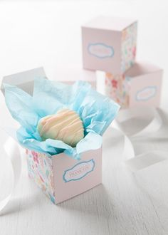 Give your goodies the gorgeous packaging they deserve with these free, printable goodie boxes!