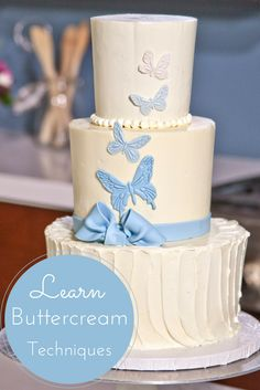 Free online cake decorating class! Instructor Joshua John Russell shares a fresh take on classic buttercream skills to make your cakes look as wonderful as they taste. Learn to cut, level, fill and crumb coat your cake layers like a professional when you enroll in this free class today!