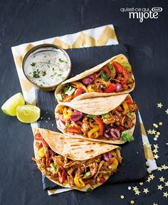 Pulled Pork Tacos with Cilantro-Lime Sour Cream Recipe Pulled Pork Tacos, Pulled Pork Recipes, Tacos Au Porc, Lime Sour, Hot Pepper Sauce, Mexican Food Recipes, Ethnic Recipes, Cooking Instructions, Pulled Pork