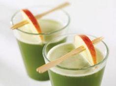 Interesante opción para el embarazo: jugo de manzana, pera y lechuga
