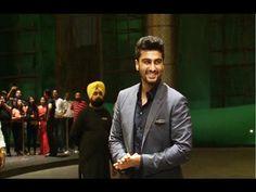 WATCH Arjun Kapoor at Shahid Kapoor and Mira Rajput's wedding reception. See the full video at : https://youtu.be/TWLYr08cnzs #arjunkapoor