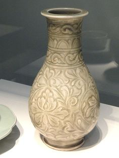 File:Vase, Yaozhou ware, Shaanxi province, China, Northern Song dynasty, 11th-early 12th century AD, stoneware with celadon glaze - Freer Gallery of Art - DSC05577.JPG