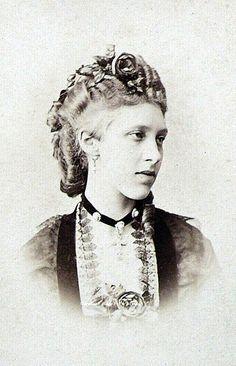Princess Marie of Hanover - Wikipedia Royal Photography, Maria Feodorovna, Prince Frederick, Victorian Hairstyles, Dark City, Princess Alexandra, Queen Mary, Edwardian Fashion, Vintage Photographs
