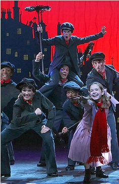 Saw this at the Atlanta Fabulous Fox 5 years ago! Awesome show Teatro Musical, Musical Theatre Broadway, Theatre Shows, Broadway Plays, Theatre Nerds, Broadway Shows, Mary Poppins Broadway, Mary Poppins Musical, Mary Poppins Costume