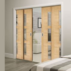 Quad Telescopic Pocket Sofia 3L Oak Veneer Doors - Clear Glass - Prefinished.      #pocketdoor #moderndoor  #telescopicdoor  #interiordesign  #door