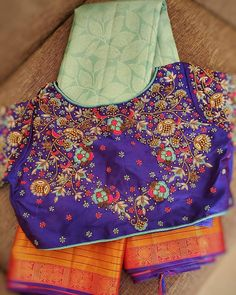Blouse Back Neck Designs, Hand Work Blouse Design, Bridal Blouse Designs, Brocade Saree, Aari Work Blouse, Maggam Work Designs, Blouse Models, Saree Look, Hand Embroidery Designs