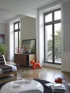 Pour ce bel appartement Haussmanien à Nantes, j'ai choisie deux mises en scènes, pour deux décorations dans une même pièce.Une décoration en noir et blanc, et une autre colorée. A vous de voir! D3 Studio link