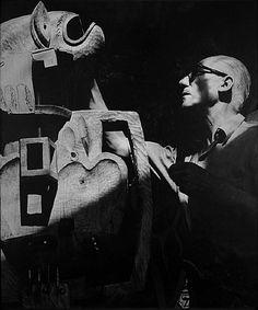 Lucien Hervé, Le Corbusier (Totem)