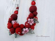 Купить Бусы Цветение в заморозки - вишневый, бордовый, розовый, серебристый, валяные бусы, ручная работа