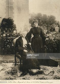 Portrait of Queen Margherita of Savoy with her mother, the Duchess of Genoa - Date of Photo: 1900 ca.
