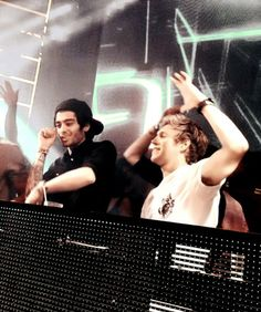 """"""" DJ Malik, Horan & Humes do Vegas! This place has broken me. """" (Zayn and Niall clubbing in Vegas Zayn Malik, Niall Horan, Boys Who, My Boys, Where We Are Tour, Irish Boys, I Love One Direction, End Of Summer, Liam Payne"""