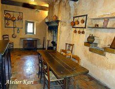 Atelier Kari naturdekorasjoner og kranser Vacation Memories, Table, Furniture, Home Decor, Atelier, Decoration Home, Room Decor, Tables, Home Furnishings