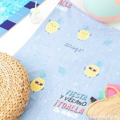 Toalla Mr Wonderful Fiesta Coin Purse, Purses, Colorful, Soft Colors, Duvet Covers, Quilts, Fiesta Party, Coin Purses, Wallet