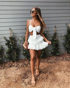 Pretty white two piece outfit. Look Boho, Bohemian Style, Bohemian Fashion, Summer Outfits, Cute Outfits, Festival Looks, Pinterest Fashion, Swagg, Spring Summer Fashion