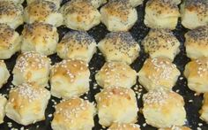 GYORS SÓS-SAJTOS APRÓSÜTEMÉNY Hamburger, Bread, Chicken, Food, Brot, Essen, Baking, Burgers, Meals