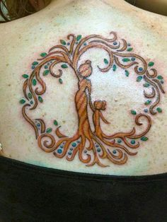 Motherhood Tree of Life Tattoo by Kara Storey Mutterschaft Tattoos, Mama Tattoos, Parent Tattoos, Mother Tattoos, Neue Tattoos, Body Art Tattoos, Tatoos, Mom Daughter Tattoos, Tattoos For Daughters