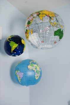 blow-up globes: cute idea for a travel-theme nursery Travel Theme Nursery, Nursery Themes, Room Themes, Nursery Ideas, Toddler Rooms, Travel Themes, School Design, House Tours, Kids Bedroom