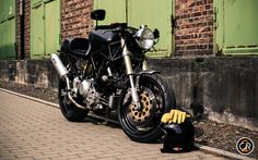 Ducati 900 Supersport Cafe Racer ~ Return of the Cafe Racers