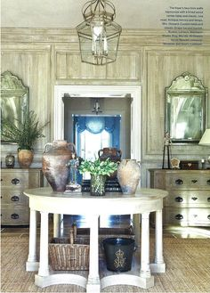 faux bois walls and neutral tones foyer Round Entry Table, Entry Tables, Hall Tables, Round Tables, Design Blog, Home Design, Center Table, A Table, Table Legs