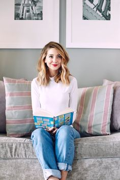calling all uk zoella fans june is a very important the start of the zoella book club Zoella Hair, Zoella Beauty, Zoella Book Club, Divas, Blond, Zoe Sugg, Girl Online, Mode Style, Style Blog