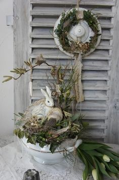 """Shabby Spring Deco """"Spring in the soup bowl ."""" - Diana Sheldon - - Shabby Spring Deco """"Spring in the soup bowl . Diy Spring Wreath, Diy Wreath, Grapevine Wreath, Easter Wreaths, Christmas Wreaths, Selling Handmade Items, Easter Traditions, Home Decor Signs, Decoration Table"""
