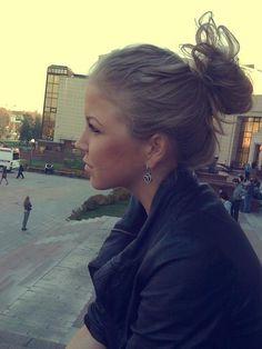 cute bun & earrings