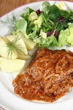 Pyszne, mięciutkie mięso w gęstym, słodko-pikantnym sosie z nutą miodu, goździków i białego pieprzu. Składniki : 1 kg karkówki ...