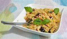 Mediterraner Nudelsalat mit Sardellen und Kapern - Katha-kocht!