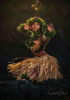 Hawaiian Goddess, Hawaiian Woman, Hawaiian Girls, Hawaiian Dancers, Hawaiian Art, Hawaiian Legends, Samoan Dance, Polynesian Dance, Polynesian Culture