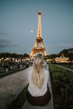 Ultimate Guide for a Romantic Weekend in Paris, France // Things to do, tips, Eiffel tower, louvre, travel, disney land, montmartre, arc de triomphe, wanderlust, macaron, notre dame, Sacré-Coeur Disney Land, Paris France, Notre Dame, Statue Of Liberty, Things To Do, Louvre, Wanderlust, Tower, Romantic