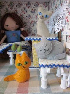 By Hook, By Hand: Felt Felines and New Pixies