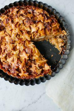 Apple Salted Caramel Pie