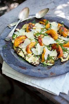 Grilled Summer Squash & Peach Salad with Manchego & White Truffle. It's whats for dinner! Vegetarian Recipes, Cooking Recipes, Healthy Recipes, Cooking Tips, Easy Recipes, Gula, Grilled Peaches, Food Blogs, Soup And Salad