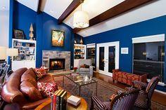 HOW TO DECORATE A SOPHISTICATED LIVING ROOM SET LIKE ALLISON JAFFE INTERIOR DESIGN   Living Room   Allison Jaffe   Moder Interior Design   #interiordesignprojects #moderndesign #livingroomset   more @ https://www.brabbu.com/en/inspiration-and-ideas/interior-design/how-to-decorate-a-sophisticated-living-room-set-like-allison-jaffe-interior-design