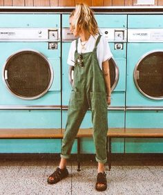 Acting like a kid in a candy store because… I've always wanted to take a photo in one of these old school laundrettes ? Acting like a kid in a candy store because… I've always wanted to take a photo in one of these old school laundrettes ? Mode Outfits, Casual Outfits, Grunge Outfits, Earthy Outfits, Green Outfits, School Outfits, Vintage Outfits, Fashion Vintage, Vintage Clothing Styles