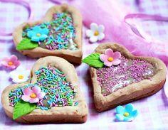 Mazurek chałwowy   Cukrowa Wróżka Sugar, Cookies, Food, Crack Crackers, Biscuits, Essen, Meals, Cookie Recipes, Yemek