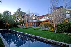 Beverly hills, Cali. Farmhouse.