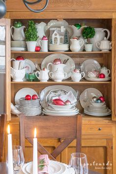 Cozy Christmas Home Tour. Visit a charming home full of vintage items that's decorated for Christmas. Christmas Living Rooms, Christmas Kitchen, Cozy Christmas, Vintage Christmas, Christmas Ideas, Tea Station, Christmas Lanterns, Christmas Door Decorations, Christmas Ornaments