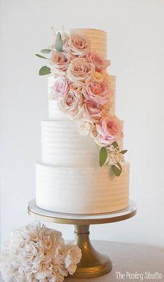 Featured Cake: The Pastry Studio; www.thepastrystudio.com