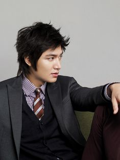 Lee Minho... oh ho ho ho.... Most dashing kdrama actor in my opinion... ATM