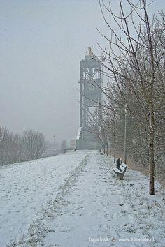 Winter scene showing railway bridge De Hef, in Rotterdam, the Netherlands