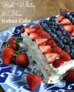 This easy Red, White, and Blue Icebox Cake is a delicious no bake dessert that's perfect for the of July or any patriotic get together! Patriotic Desserts, Blue Desserts, 4th Of July Desserts, No Bake Desserts, Just Desserts, Delicious Desserts, Dessert Recipes, Patriotic Party, Pudding Desserts