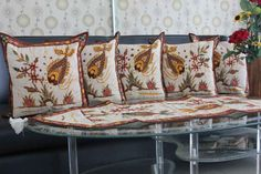 Set Sarung Bantal Kursi Batik Tulis. Kode SBT002, Proses Batik Tulis dengan motif Ikan