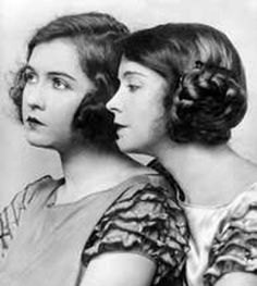 Vintage Hairstyles Long haired 1920 looks - Lillian and Dorothy Gish Dorothy Gish, Lillian Gish, Vintage Hairstyles, Braided Hairstyles, Cool Hairstyles, Beautiful Hairstyles, Hairdos, Wedding Hairstyles, Belle Epoque
