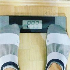 That moment when you don't want to lose weight anymore....und man sich nicht mehr so ein Kopfzerficke gibt die Kalorien anhebt...Ja...scheint wohl zu laufen unter der Berücksichtigung dass ich mich derzeit bei meinem PITT Push Pull Plan von Session zu Session steigere. Wenn man mal bedenkt dass ich ursprünglich bei 150kg war auf meinen 190m und mit ner Crash Diät auf 100 runter bin dann wieder langsam auf 120kg hoch und mich nun seit gut 3 Jahren im Mitte 90 er Bereich befand...fuck genetics…