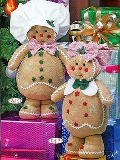 makes me happy Christmas Sewing, Christmas Candy, Christmas Projects, Handmade Christmas, Christmas Time, Vintage Christmas, Christmas Ornaments, Gingerbread Christmas Decor, Gingerbread Crafts