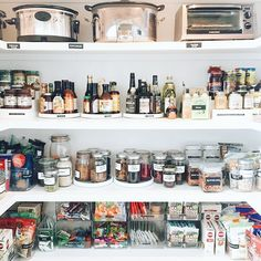 What a week in LA! But also, what a few weeks leading up to LA... It's been so busy in Nashville that it was hard to step away for a few days. The projects however, more than made it worthwhile. We wanted to share more pics and details, so without further adieu: CHRISTINA APPLEGATE'S PANTRY