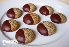 Omlós mákos keksz | Nosalty Best Cookie Recipes, Real Food Recipes, Dessert Recipes, Yummy Food, Hungarian Recipes, Sweets Cake, Cookie Gifts, Wedding Desserts, Sweet And Salty