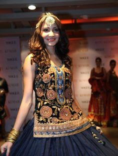 Anushka Sharma walked ramp at Ritu Kumar new store launch