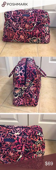 NWT Vera Bradley katalina pink weekender bag NWT Vera Bradley katalina pink weekender bag Vera Bradley Bags Travel Bags